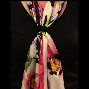 New Oscar de la Renta silk scarf. 11x51 inches